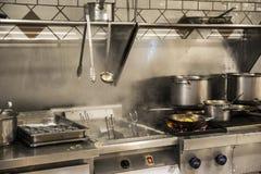 准备好餐馆的厨房烹调 图库摄影
