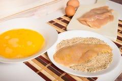 准备意大利语面包鸡炸肉排 库存图片