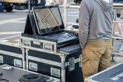 准备控制的光和录音师 库存照片