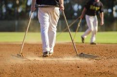 准备棒球场 免版税图库摄影