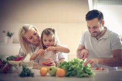 准备汤 系列在厨房里 库存图片