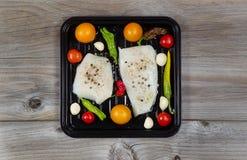 准备烘烤的鱼片 免版税图库摄影