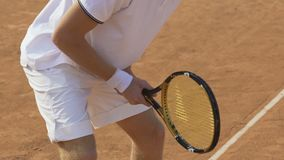 准备男性的网球员击中球,体育竞赛,活跃生活方式 股票视频