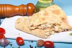准备的薄饼用被熔炼的乳酪 库存照片