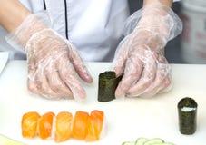 准备膳食的厨师 库存照片