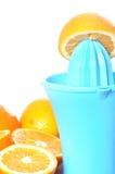 准备100%橙汁 免版税库存照片