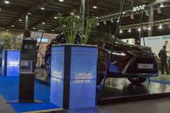 凌志基辅插入式乌克兰2017年陈列的混合动力车辆摊 免版税库存图片