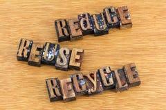 减少再用回收行动主义消息 库存图片