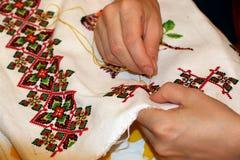 减速火箭刺绣花卉手工制造的模式 免版税库存照片
