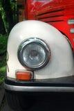 减速火箭的卡车葡萄酒车灯 免版税库存图片