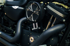 减速火箭的发光的镀铬物摩托车moto引擎图象 免版税图库摄影