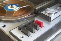 减速火箭的开盘式的录音机 免版税库存图片