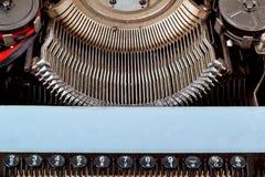 减速火箭的打字机关闭与编号关键字 免版税库存照片