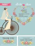 减速火箭的新娘阵雨集合 新娘,花卉装饰,自行车 免版税库存照片
