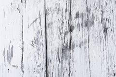 减速火箭的木墙壁白涂料石灰,现代样式,被风化的裂缝多杂乱木背景,设计的葡萄酒背景 免版税库存图片