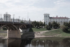 减速火箭的样式城市视图 免版税库存照片