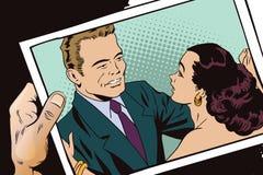减速火箭的样式的人们 夫妇跳舞查出的白色 有照片的手 免版税库存图片
