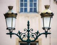减速火箭的样式街灯在Rosheim,阿尔萨斯 库存图片