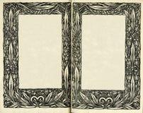 减速火箭的样式 构筑在旧书页的花饰  免版税库存图片
