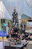 减速火箭的电视组成的圣诞树 库存照片