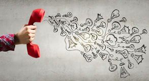 减速火箭的红色电话接收器 混合画法 免版税库存照片