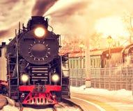 减速火箭的蒸汽火车的到来 库存照片