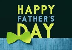 减速火箭的鲜绿色的蝶形领结父亲节图表 免版税图库摄影