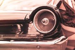 减速火箭的经典汽车葡萄酒样式车灯灯  免版税库存照片