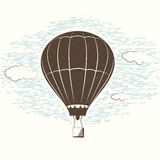 减速火箭的织地不很细学报旅行背景的传染媒介例证与气球,天空,云彩的 卡片的葡萄酒模板 免版税库存图片