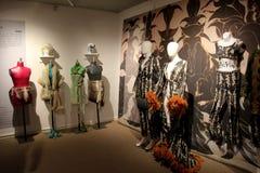 几个时装模特在设计师舞蹈服装,舞蹈国家博物馆,萨拉托加斯普林斯,纽约穿戴了, 2016年 图库摄影