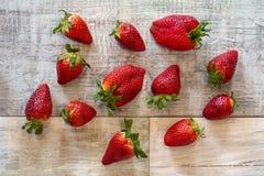 几个自然草莓 免版税库存照片