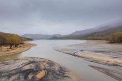几乎干燥Barrea湖的看法,湖巴雷亚,阿布鲁佐,意大利 10月 免版税库存照片