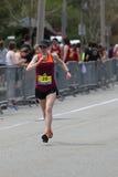 几乎30000个赛跑者参加了2017年4月17日的波士顿马拉松在波士顿 免版税库存照片