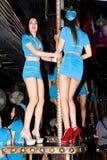 几位美丽的年轻泰国女孩舞蹈家 库存图片