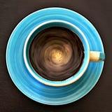几何样式-流通的咖啡的顶视图在一个圆杯子的 库存照片