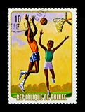 几内亚显示打篮球,侦察的serie,大约1974年 免版税库存照片