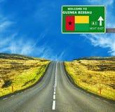 几内亚比绍反对清楚的天空蔚蓝的路标 库存图片