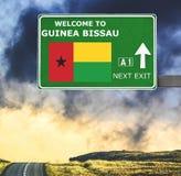 几内亚比绍反对清楚的天空蔚蓝的路标 库存照片