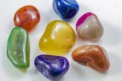 几块美丽和五颜六色的水晶石头 库存图片