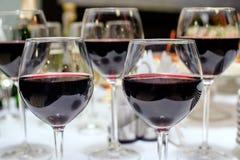 几块玻璃用红葡萄酒 库存图片