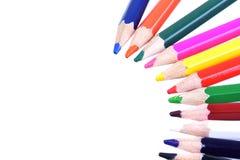 几支颜色铅笔宏观射击在白色的 库存图片