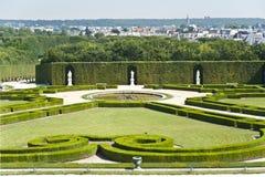 凡尔赛宫殿的庭院。 免版税图库摄影