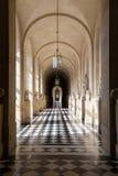 凡尔赛宫的大理石走廊在巴黎,法国附近 库存照片