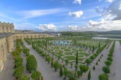 凡尔赛庭院在一个晴朗的晴天 库存图片