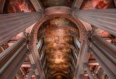 凡尔赛皇家教堂内部  免版税图库摄影