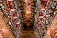 凡尔赛皇家教堂内部  库存照片