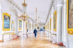 凡尔赛,法国- 2016年7月02日:与绘画的白色画廊 免版税库存照片