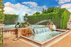 凡尔赛,法国2016年7月02日:有狮子的喷泉在花花公子 免版税图库摄影