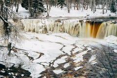 凯伊拉Joa瀑布在冬天之前,爱沙尼亚 免版税库存图片
