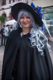 凯塞尔斯贝尔-法国- 2017年4月29日-有巫婆服装的妇女 图库摄影